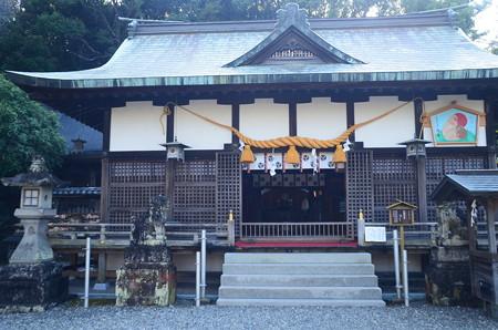 闘鶏神社本殿