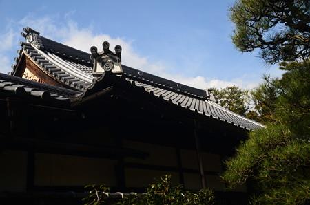 五七の桐の屋根瓦