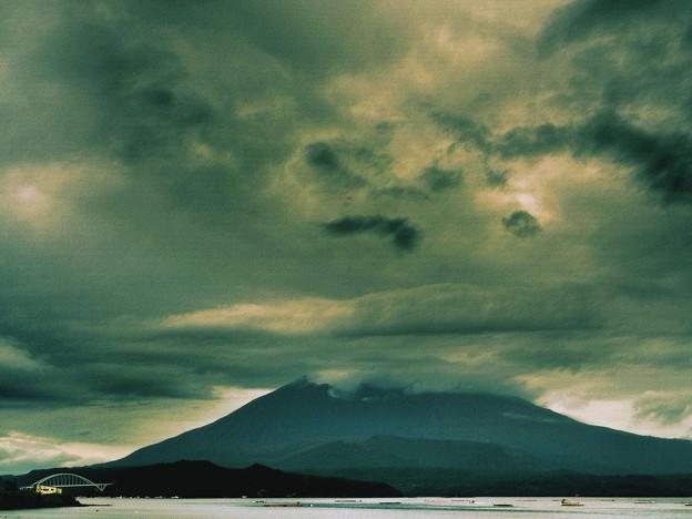 あぁ雨の桜島