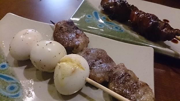 Photos: 串の追加はうずら玉子、ハツ塩(6本セットのはハツじゃなくて砂肝やった)、レバタレ。生ホッピー×2で〆。新鮮組改め、焼鳥小屋(とりごや)いろとり鶏さん、今年もよろしゅうに(`∇´ゞ