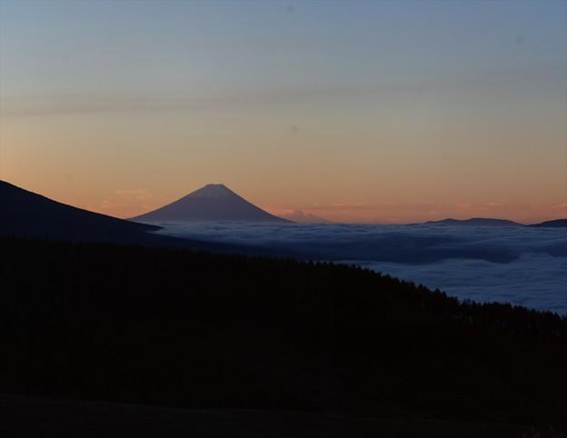 富士の上に変な雲