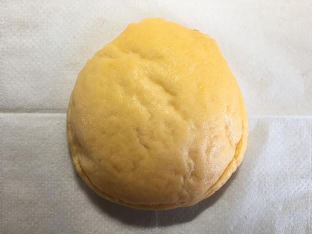 20150814-01『セブンアンドアイ』の「夕張メロンクリームのドームパン」02