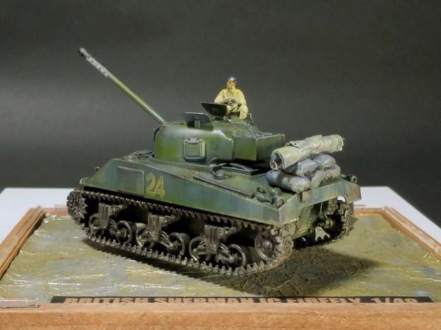 04 Sherman 1C Firefly  1;48 (Tamiya)