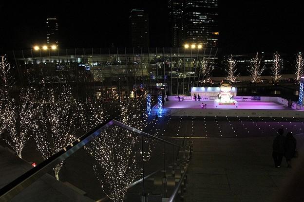 大阪駅(うめきた)のスケートリンク(2)