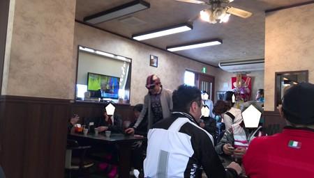 店内@まるい食堂