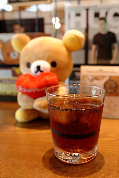 クマカフェにて、クマと戯れる