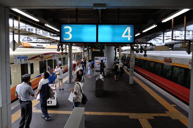 お昼の秋田駅3・4番ホーム