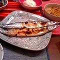 写真: 秋刀魚のある食卓