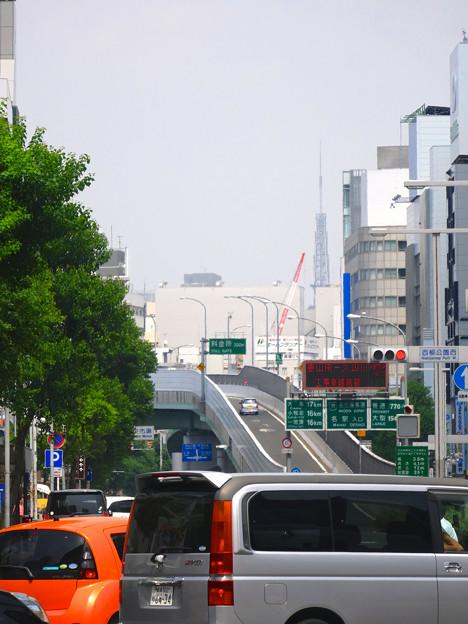 写真: 名古屋駅前(ナナちゃん前)から見えた名古屋テレビ塔 - 2