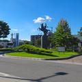 写真: 尾張旭駅前にある水野良春像 - 04