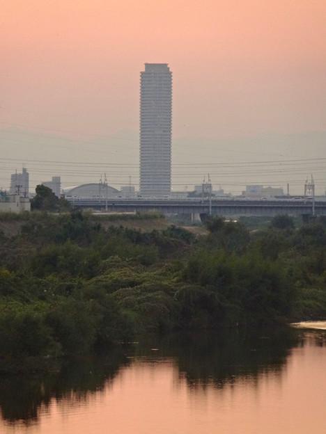 庄内川:松川橋から見た夕焼けが綺麗♪ - 8:国道19号勝川橋とザ・シーン城北