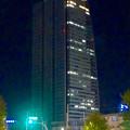 写真: 名駅西口から見上げた、夜のルーセントタワー - 2