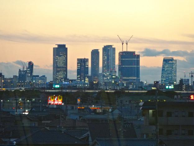 エアポートウォーク名古屋から見た、夕暮れ時の名駅ビル群 - 1