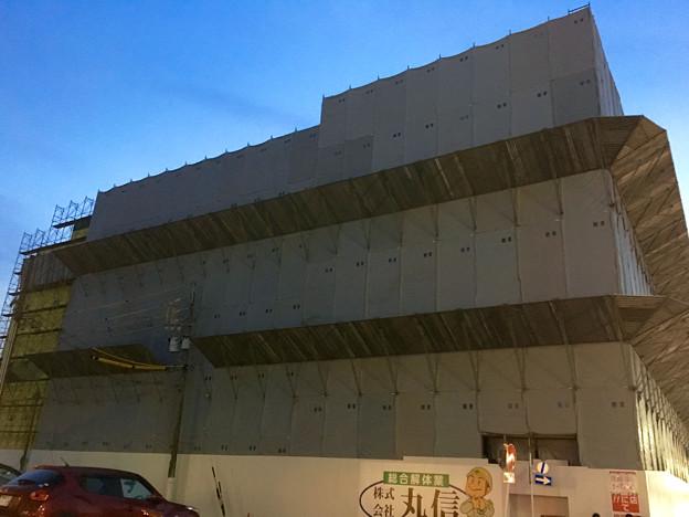 写真: ヤマダ電機テックランド春日井店:建物の建て替え工事が進行中 - 4