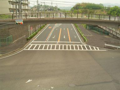 桃花台東駅前交差点(修正)