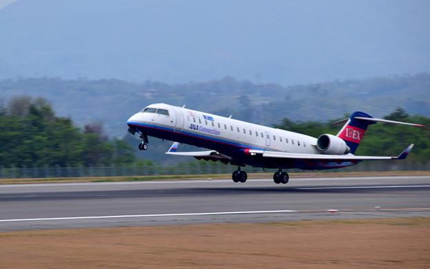 アイベックス ボンバルディア CL-600-2C10 CRJ-702(JA06RJ)-1