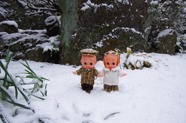 日本の雪に大興奮の外国人夫妻