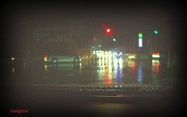 冷たい雨.......
