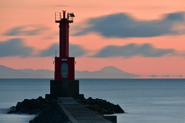 写真: 遠目の富士山 160121