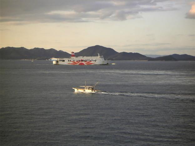 漁船とサンフラワー