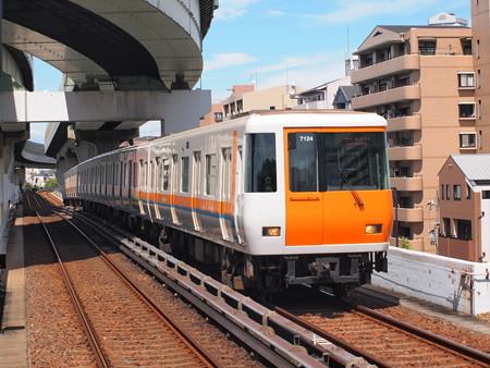 近鉄7000系 中央線朝潮橋駅02