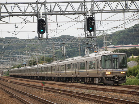 223系新快速   東海道本線島本~山崎05