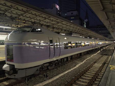 E351系特急スーパーあずさ 中央本線新宿駅01