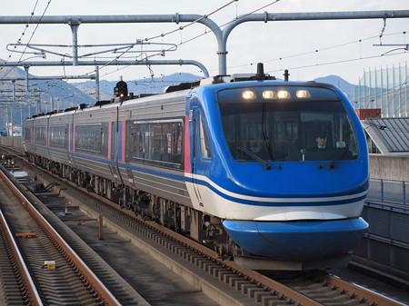 HOT7000系特急スーパーはくと 山陽本線加古川駅