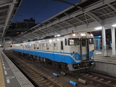 キハ40普通 高徳線高松駅02