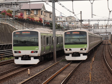 E231系普通  山手線鶯谷駅04