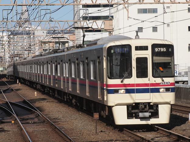 京王9000系快速  京王線笹塚駅02