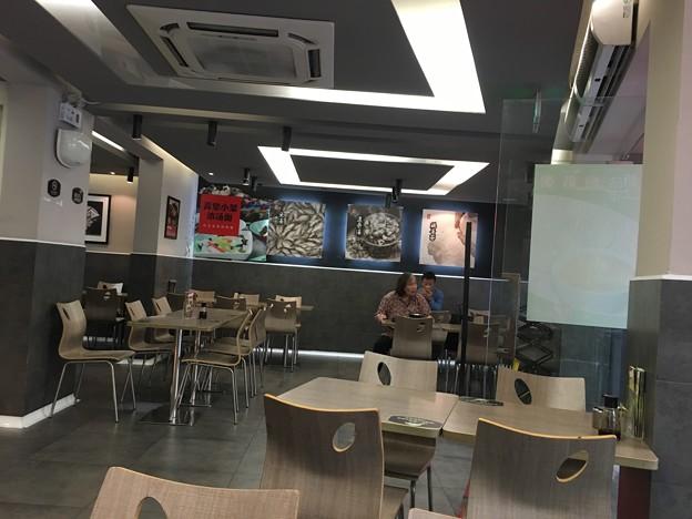朝の拉麺と湯包のお店 (2)