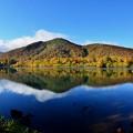 Photos: 須川湖紅葉と青空