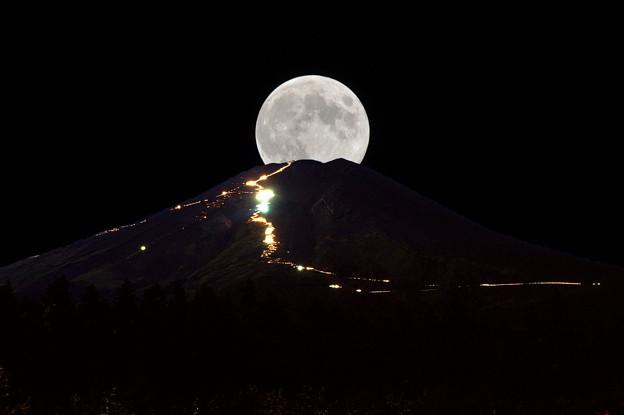 Photos: 満月富士(合成)