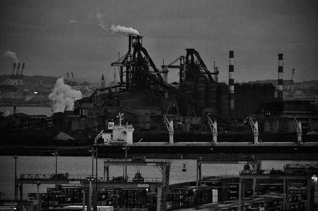 写真: 溶鉱炉