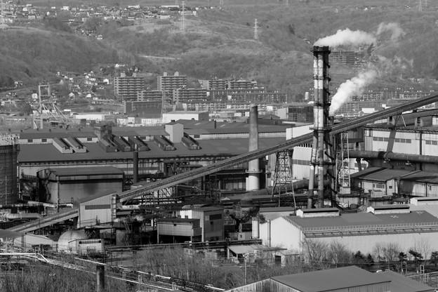 室蘭・製鉄所と工場群(モノクロVer).3