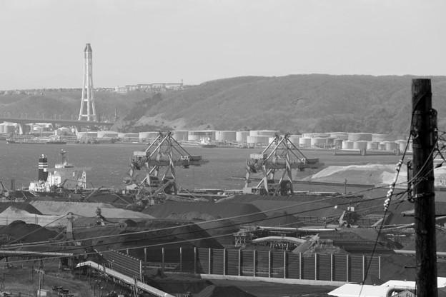 室蘭・製鉄所と工場群(モノクロVer).5