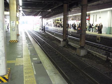 金山駅2番線