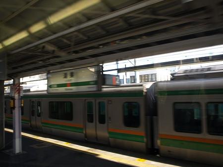 快速アーバンの車窓(鴻巣駅)