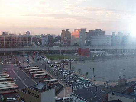 金沢のビジネスホテルから見た北陸本線1