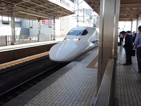 700系(新横浜駅3番線)