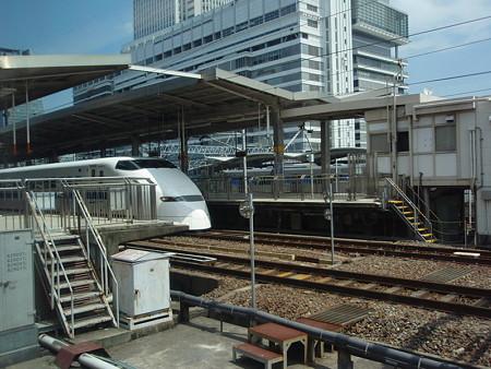 700系からの車窓(名古屋駅)