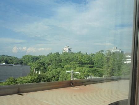 700系レールスターの車窓(姫路城)