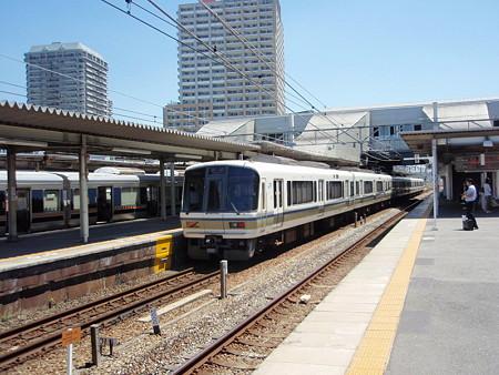221系(尼崎駅)