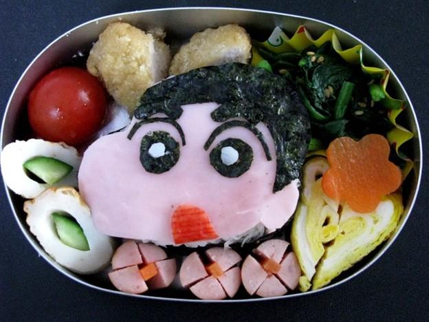 写真: クレヨンしんちゃん弁当