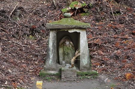 石龕の石地蔵
