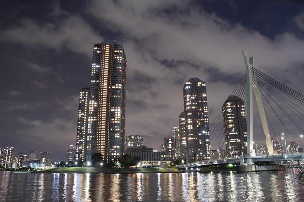 月島・中央大橋と高層ビル群と隅田川(1)