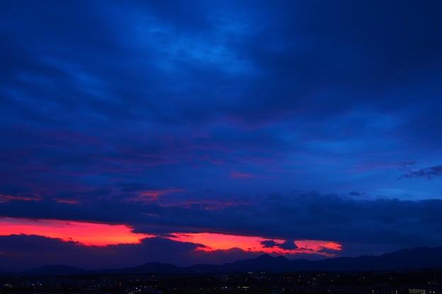 二上山の夜明け
