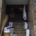 階段と長靴