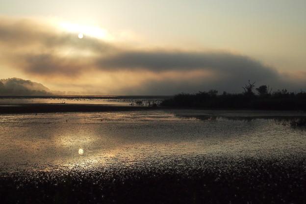 朝霧晴れて